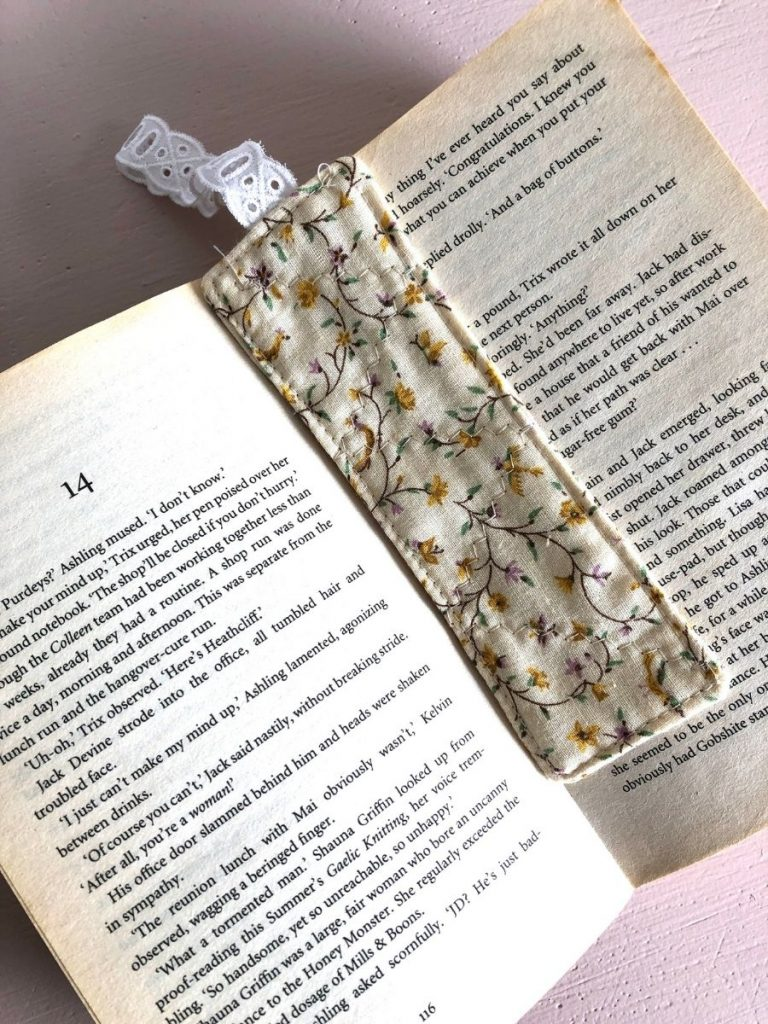 Quick Scrap Fabric Ideas fabric bookmark