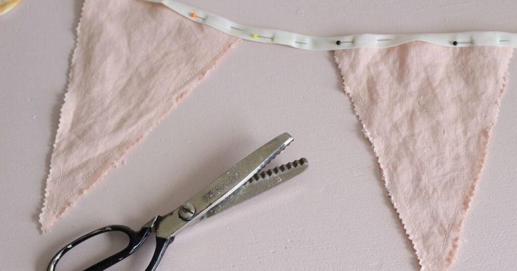 Quick Scrap Fabric Ideas fabric bunting