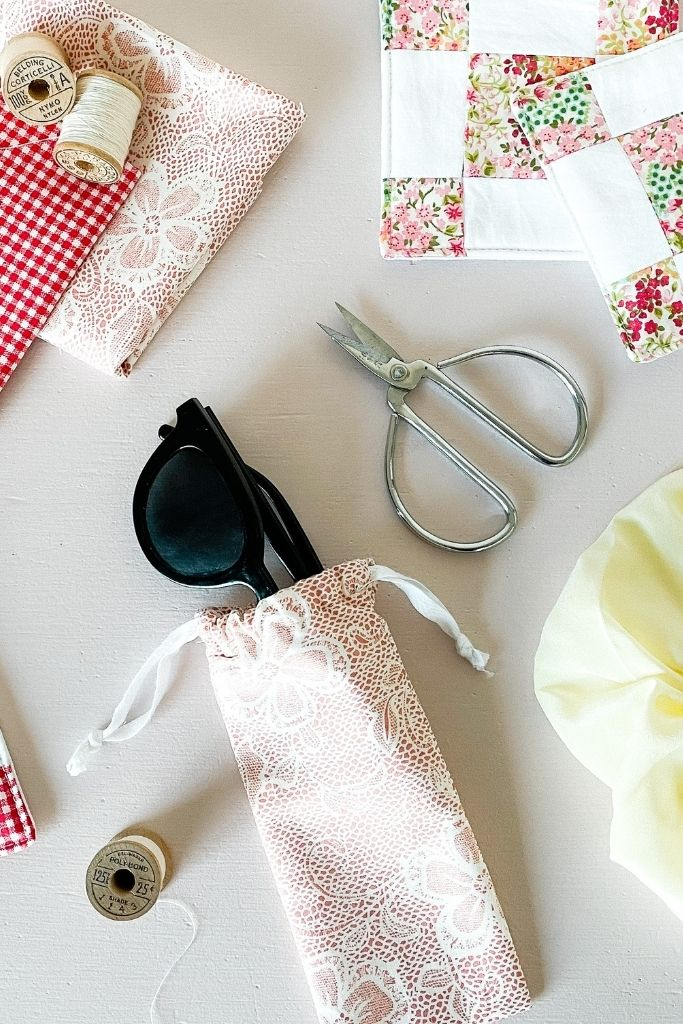 how to make a glasses case